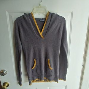 Grey Hoodie top with a V neck